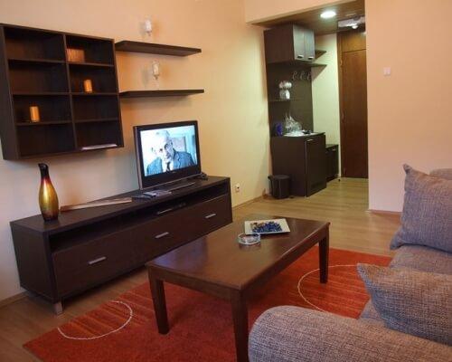 hotel junior kopaonik dnevna soba sa TV om