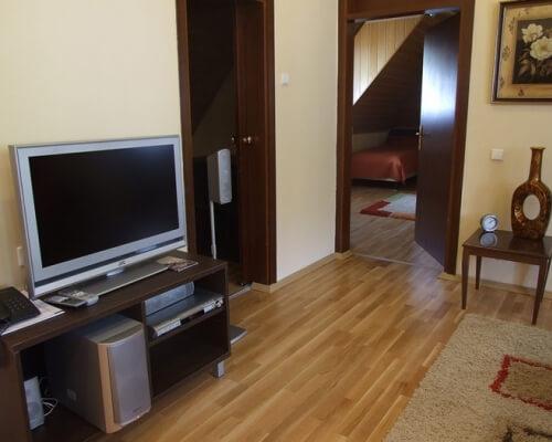 hotel junior kopaonik soba sa LCD televizorom