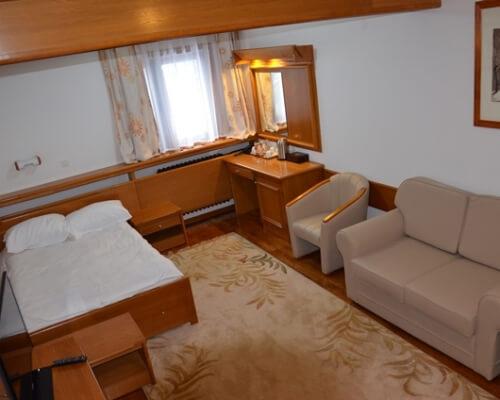 nebeska stolica 2 soba