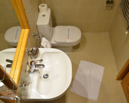 nebeska stolica 2 toalet